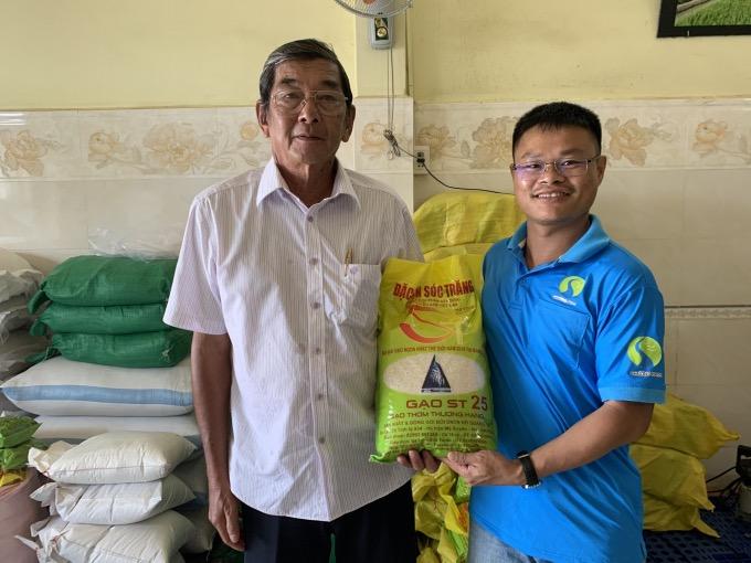 Tổng giám đốc Công ty CP Lương thực Phương Nam và Anh hùng lao động, kỹ sư Hồ Quang Cua – cha đẻ của gạo ST25