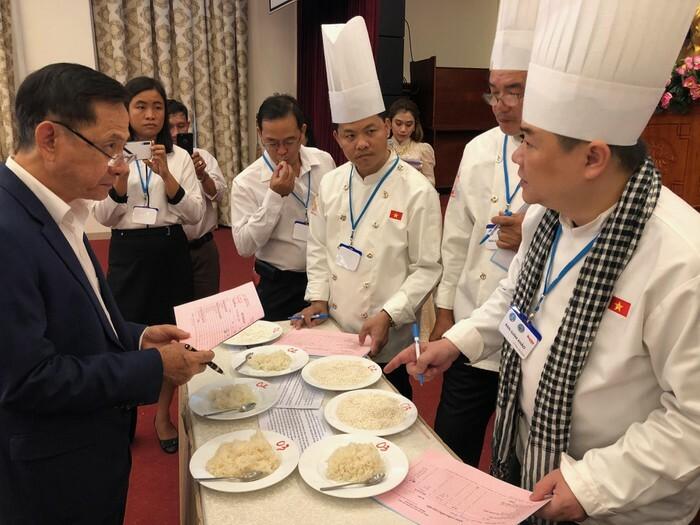 Gạo ST25 của Anh hùng Lao động Hồ Quang Cua (Sóc Trăng) được đánh giá cao nhấttại cuộc thi gạo ngon