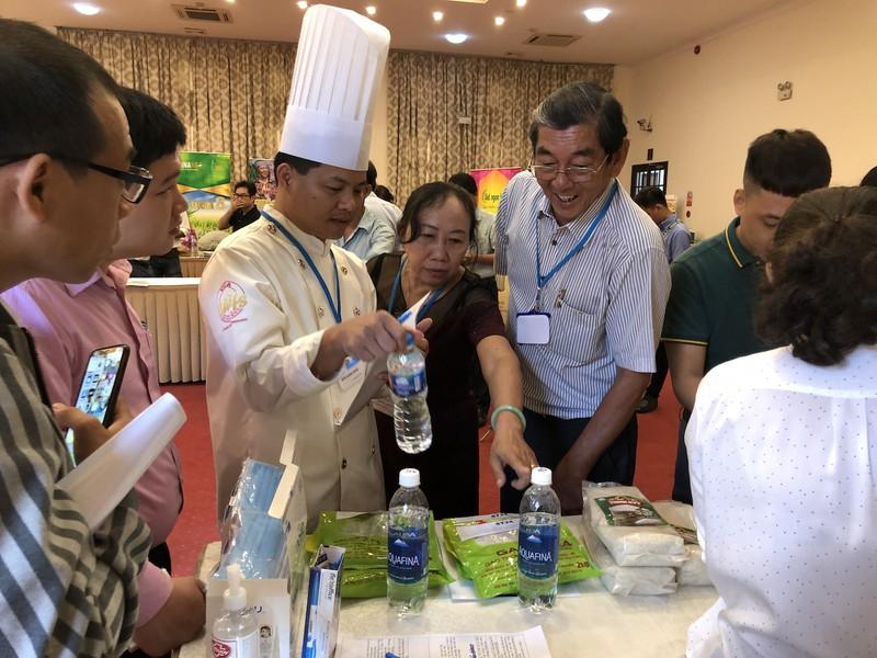 Giống gạo thơm Sóc Trăng ST25 dự thi cuộc thi Gạo ngon Việt Nam lần thứ 2 tại TP. Hồ Chí Minh