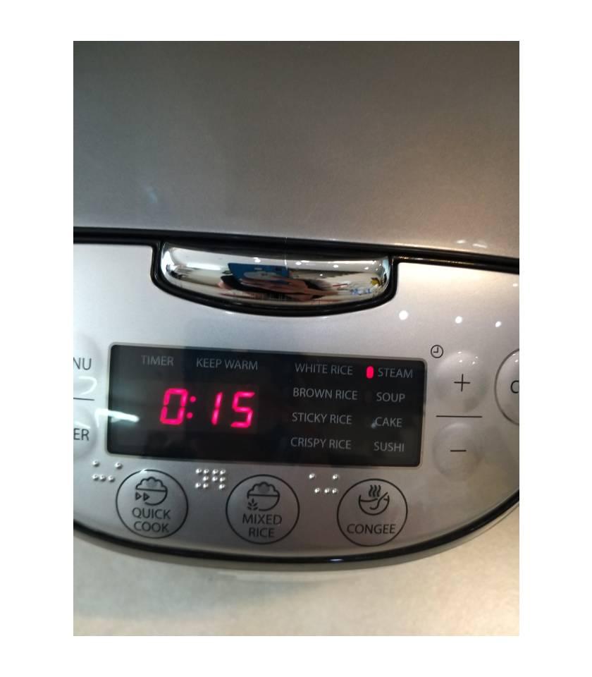 chọn chế độ hấp hơi nước và điều chỉnh thời gian 15 phút