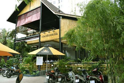 Cơm Niêu Sài Gòn: 27 Tú Xương, Quận 3, TPHCM.