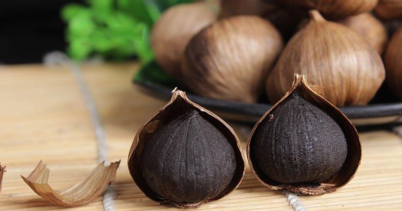 Tỏi đen dùng để tẩm gạo lứt mầm Vibigaba