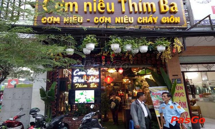 Cơm Niêu Thím Ba:457 Võ Văn Tần, Phường 5, Quận 3, TPHCM.